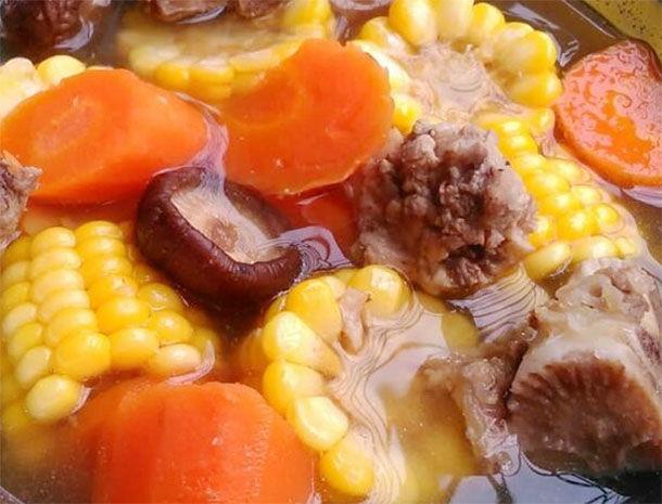 胡蘿蔔玉米排骨湯,營養豐富幫助孩子長高個 第2张