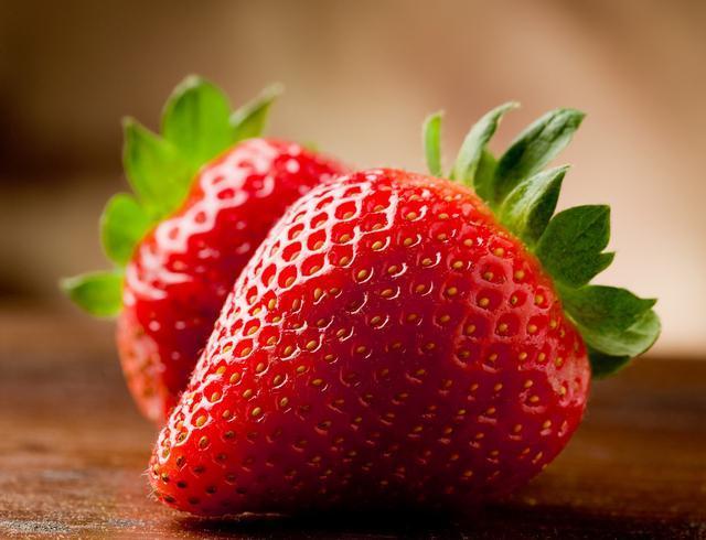 教你幾個小竅門可以挑選到又香又甜的新鮮草莓 第3张