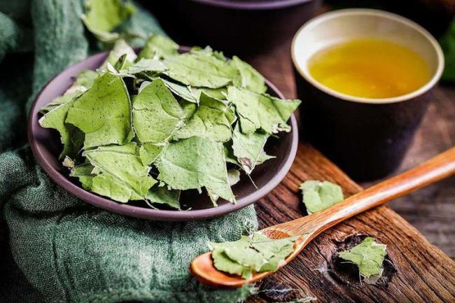 水生植物荷葉不僅果實好吃 連根和梗都是餐桌上的美味 第4张