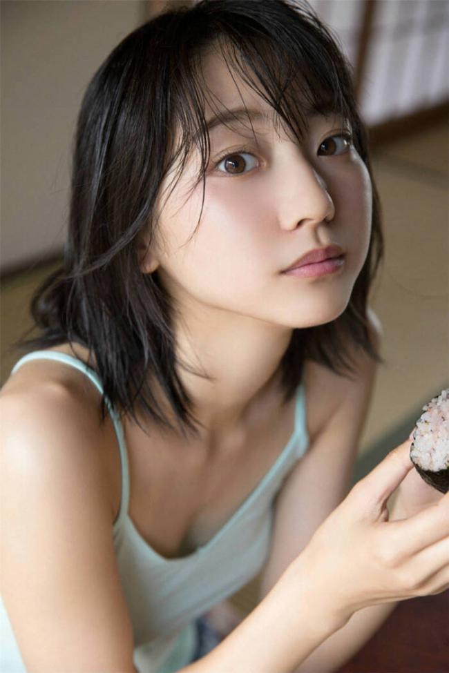 武田玲奈的顏值超高,成為日本娛樂圈的最新寵兒 第4张