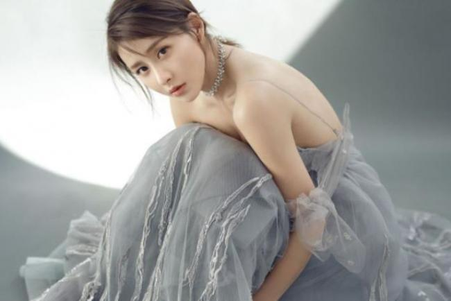 賈青被稱為娛樂圈最幹凈的女星, 不炒作靠自己的實力走紅 第1张