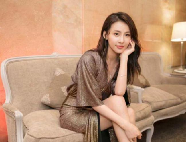 賈青被稱為娛樂圈最幹凈的女星, 不炒作靠自己的實力走紅 第3张