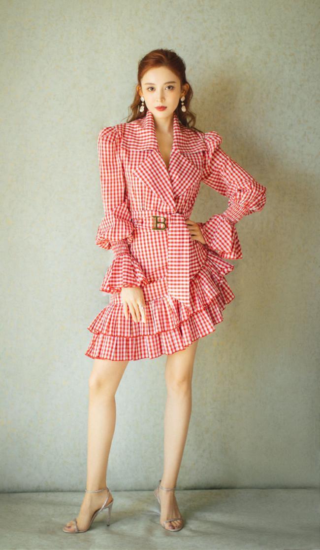 荷葉邊半裙不僅實穿度高,而且不挑身材還修飾身形 第2张