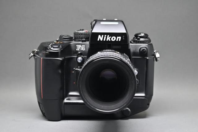 尼康F4旗艦級單反相機,自動對焦鏡頭深受攝影師歡迎 第1张