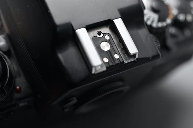 尼康F4旗艦級單反相機,自動對焦鏡頭深受攝影師歡迎 第7张