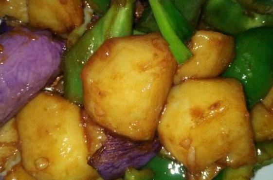 青椒土豆茄子一鍋炒,地三鮮營養豐富做法簡單 第2张
