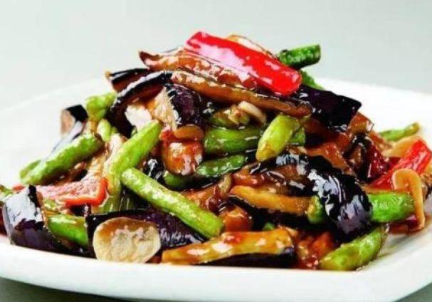 青椒土豆茄子一鍋炒,地三鮮營養豐富做法簡單 第3张