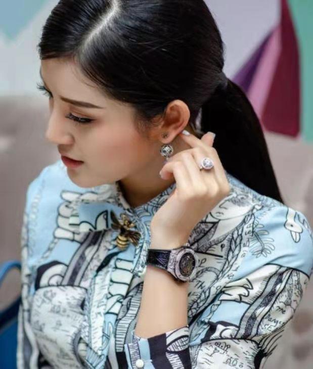 看越南美女Nguyen Tranj如何管理好自己的完美身材? 第1张