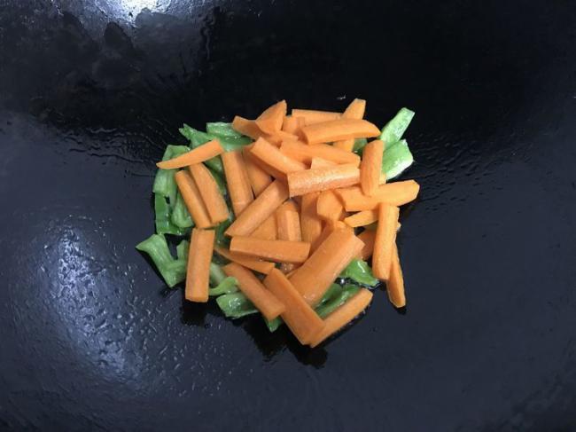 胡蘿蔔炒山藥,做法簡單食材便宜又健康 第8张