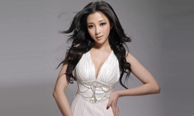 殷桃出演多部電視劇,多次獲獎贏得了觀眾的贊譽 第1张