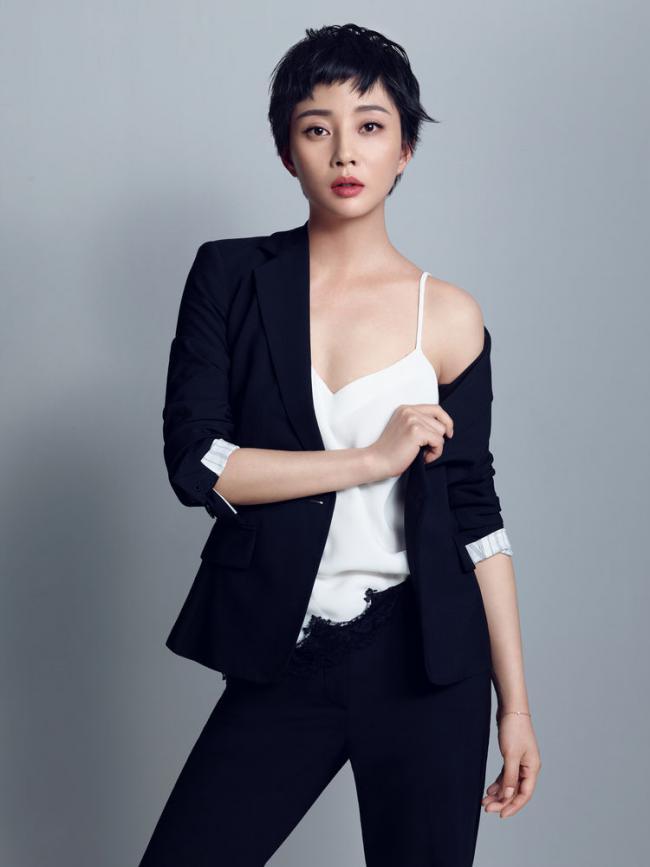 殷桃出演多部電視劇,多次獲獎贏得了觀眾的贊譽 第2张