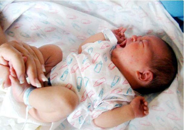 """寶寶不同情況下的""""蹬腿""""有著哪些不一樣的含義 第2张"""